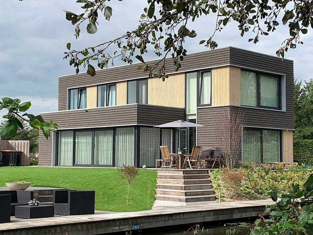 Koeleman Bouw Nieuwbouw villa met bijzonder metselwerk De regenboog Nieuwkoop